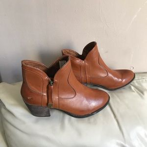 Rocket Dog Ankle Booties Brown Leather Zip Up
